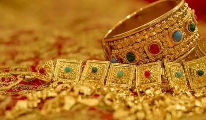 Gold prices today fall for 2nd day, down ₹9,000 from record highs