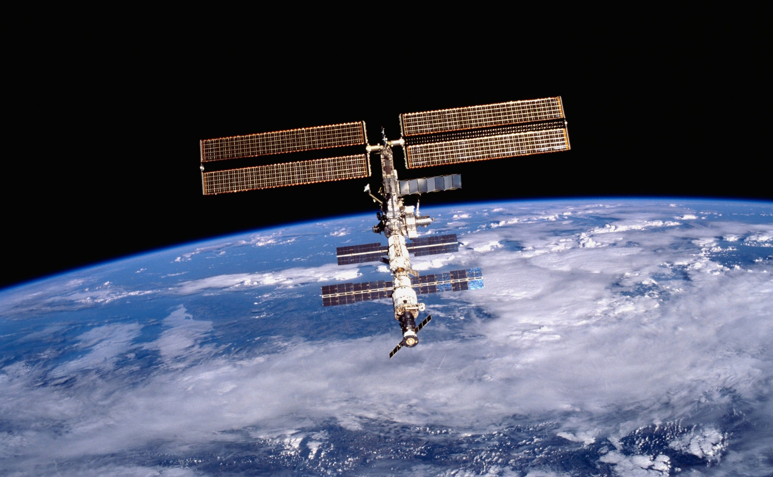 Unmanned Russian Spacecraft Leaves For Leaky ISS
